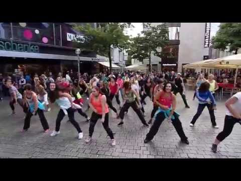 Zumbagruppe-Benefit-Flashmob 19-09-2015 Stadtmitte Osnabrück