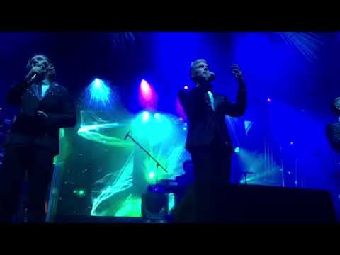 Defying gravity ~ wicked ~ Collabro live
