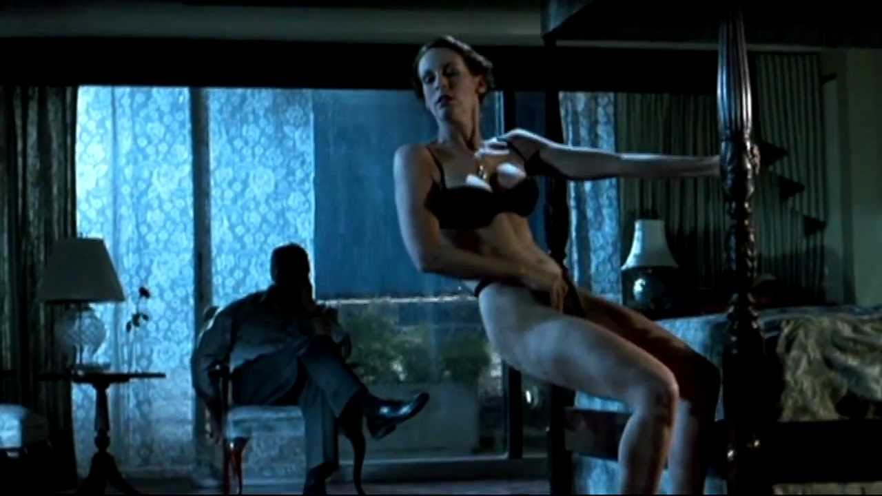 Jamie lee curtis naked butt