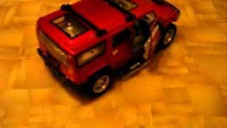 HUMMER 2 видео.AVI(Радиоуправляемая машина HUMMER красного цвета, со светомузыкой, сабвуфером, можно подключить MP3 плеер, светятс..., 2010-11-07T17:40:58.000Z)