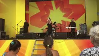 Концерт для всех в День Металлурга в Мариуполе