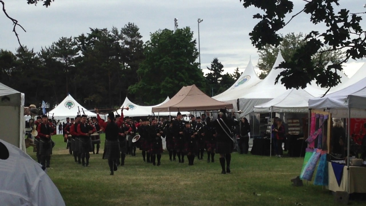 Bagpipers, Highland Games, Victoria, Canada - YouTube