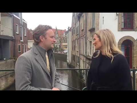 Burgemeester Verhoeve in gesprek met Lieke van Lexmond