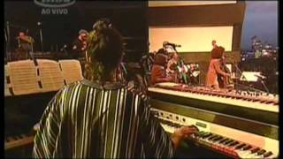 Milton Nascimento e Esperanza Spalding - Ponta de Areia ao vivo Rock In Rio 2011