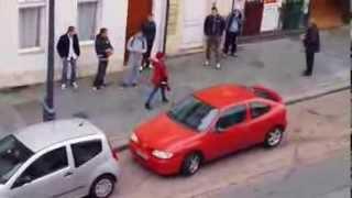 Folle en voiture rue d'isle à Saint-Quentin (Aisne) thumbnail