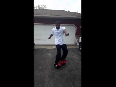 MrNewz Hit The Nae Nae On A Booming Board!
