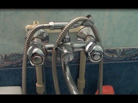 Вопрос: Как заменить ручку смесителя в ванной?