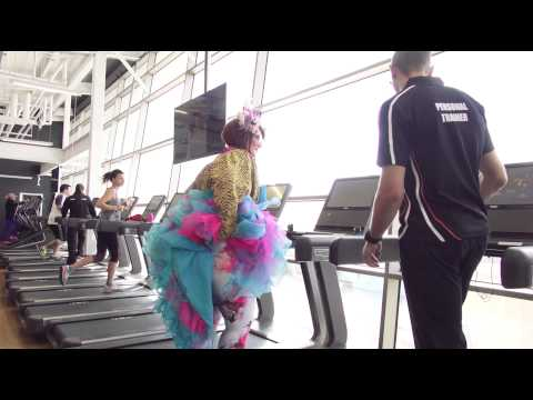Famous Sharron visits the brand new Chadstone South Pacific Health Club