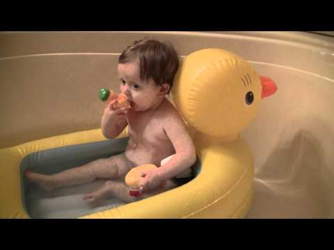 Munchkin Inflatable Duck / bath time/ baby - YouTube