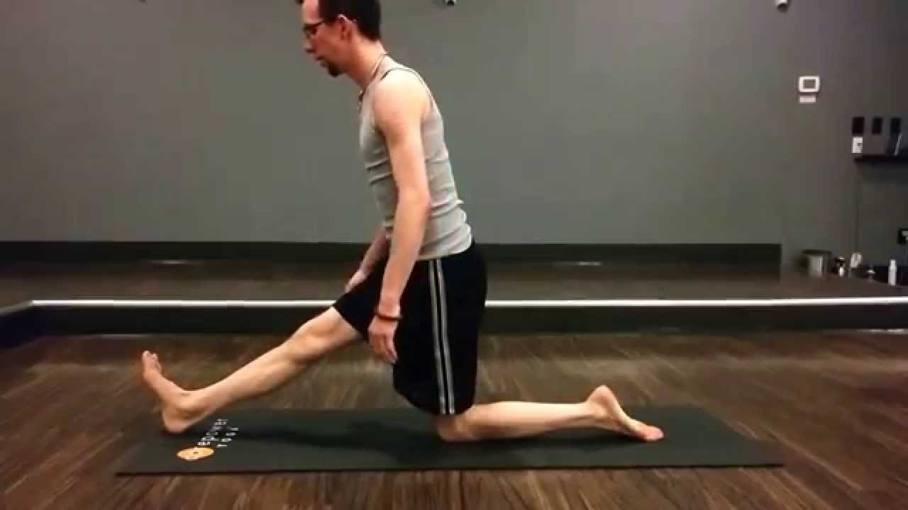 Hamstring Stretch: Half Split