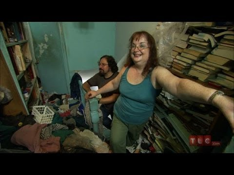 Inside Hoarding: Cleaning Up For Love | Hoarding: Buried Alive