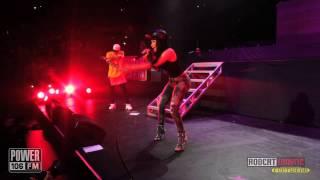 Nicki Minaj LIVE -