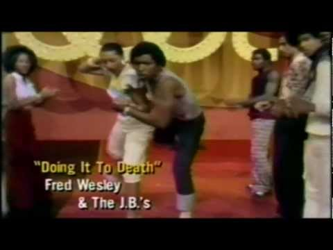 JAMES BROWN & THE J.B.'S - DOING IT TO DEATH.70S SOUL DANCERS