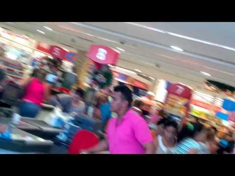 Pueblo agresivo buscando ACE en el Hiper Central Madeirense Cagua