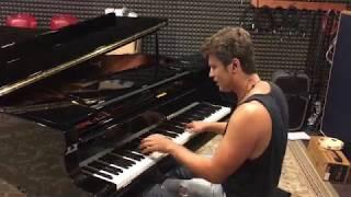 Gambar cover Improvisation on Yamaha C7 by Evgeny Khmara
