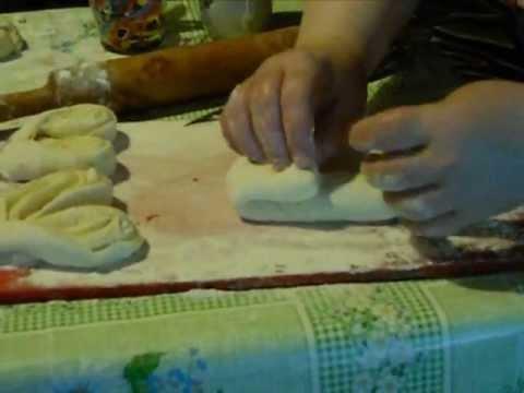 Как красиво сделать булочки из сдобного теста: фото 12