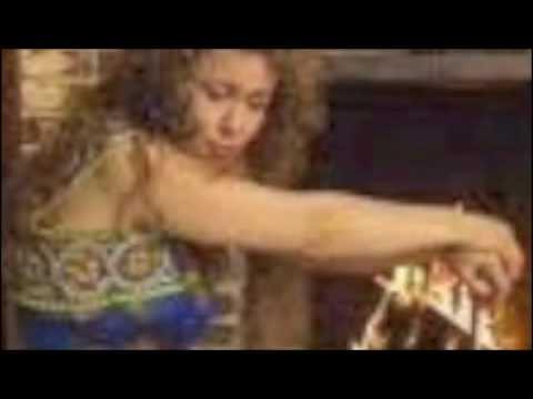 Kabyle - Rahim & Yasmina - Nnigh-am ruh anef-iyi