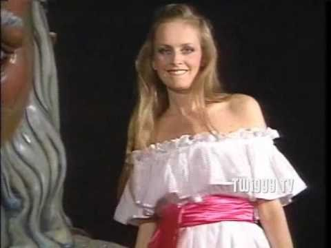 TWIGGY sings HOW LONG HAS THIS BEEN GOING ON - 1984