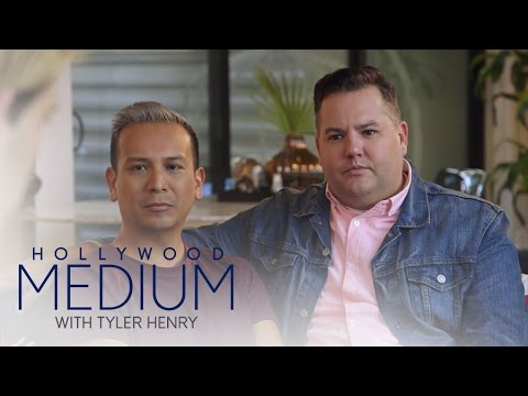 Ross Mathews Freaks Over Fishy Details | Hollywood Medium with Tyler Henry | E!