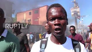 Haiti: Port-au-Prince protesters and police face off at corruption demo