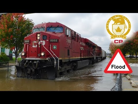 Trains in the Water - CP Trains Plow Through the Flooded Mississippi Waters! - October 2018