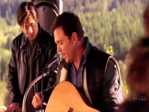 Nick Lea singing on 'Men In Trees'