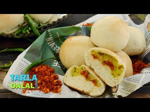 Baked Vada Pav, Recipe in Hindi ( बेक्ड वडा पाव ) by Tarla Dalal