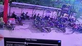 Tabrakan Di KFC Lamnyong Banda Aceh (19-Nov-2017)(3)