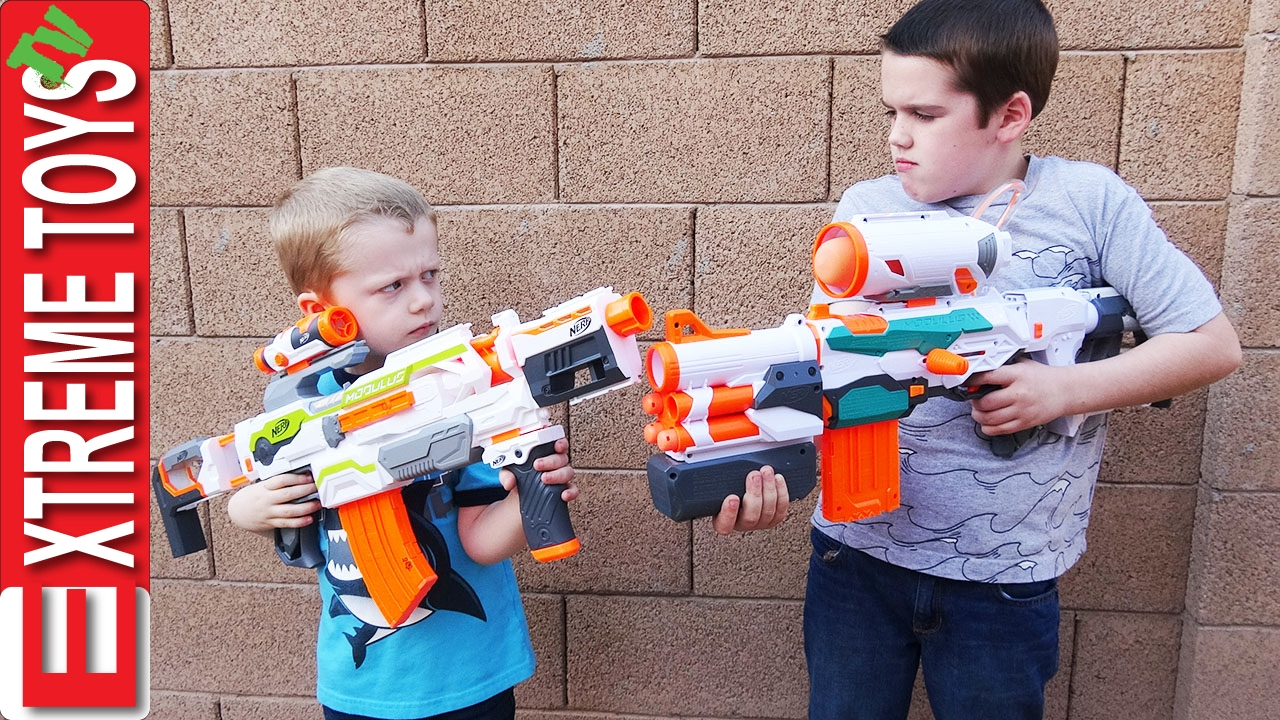 Nerf Brings Double Your Blasting Target Challenge To Roblox Basic Nerf The Nerf Modulus Battle Ethan Attacks Cole With His Nerf Modulus Tri Strike Youtube