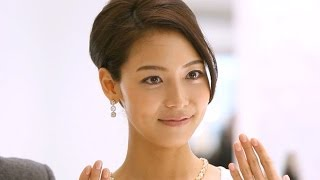 神戸市中央区のそごう神戸店で3月10日、高級宝飾ブランド「ティファ...