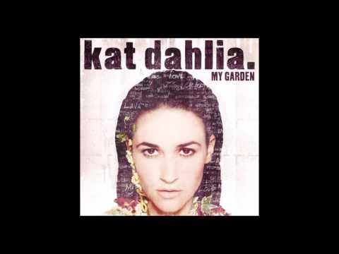 Kat Dahlia - Voices In My Head