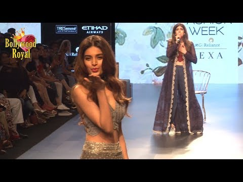 Nidhi Agerwal & Anaya Birla As Show Stopper For Monica & Karishma At LFW Winter Festive 2017 Day5