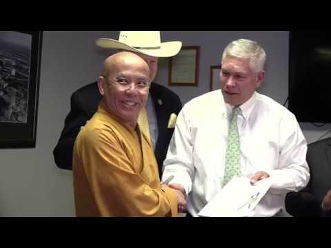 Phóng sự đặc biệt Thượng Toạ Thích Thông Lai gặp Congressman  Pete Sessions