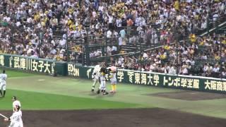 阪神のトラッキーとラッキー&西武のレオ 2013年6月6日 阪神対西武 2x-1...