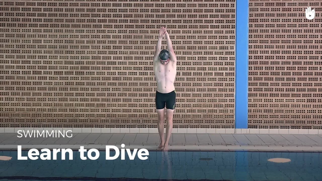 How To Dive Into A Swimming Pool Front Crawl Youtube