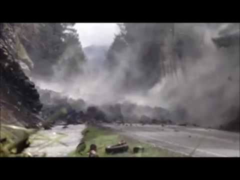ODOT blasts boulder on Highway 138 near Roseburg