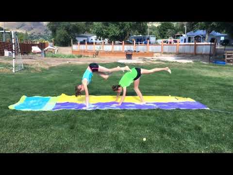 2-people-yoga-challenge