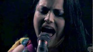 Evanescence - My Heart Is Broken (Halloween Show 2011 - iHeartRadio) HD