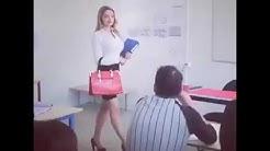 Quando arriva la professoressa bona tettona