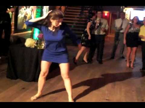Crazy Girl's Wedding Dance - Jump Around thumbnail