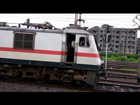 8 km Parallel Run 12019/Shatabdi Express & 13017/Ganadevta Express From Howrah Station