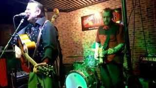 rockin` 8 BALLS - Miss Froggie