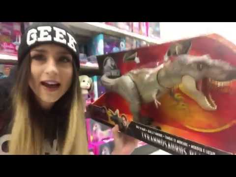 Jurassic World Fallen Kingdom Toy Vlog - Toys R Us + Walmart