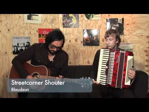 Lowlands session - Blaudzun plays Streetcorner Shouter mp3