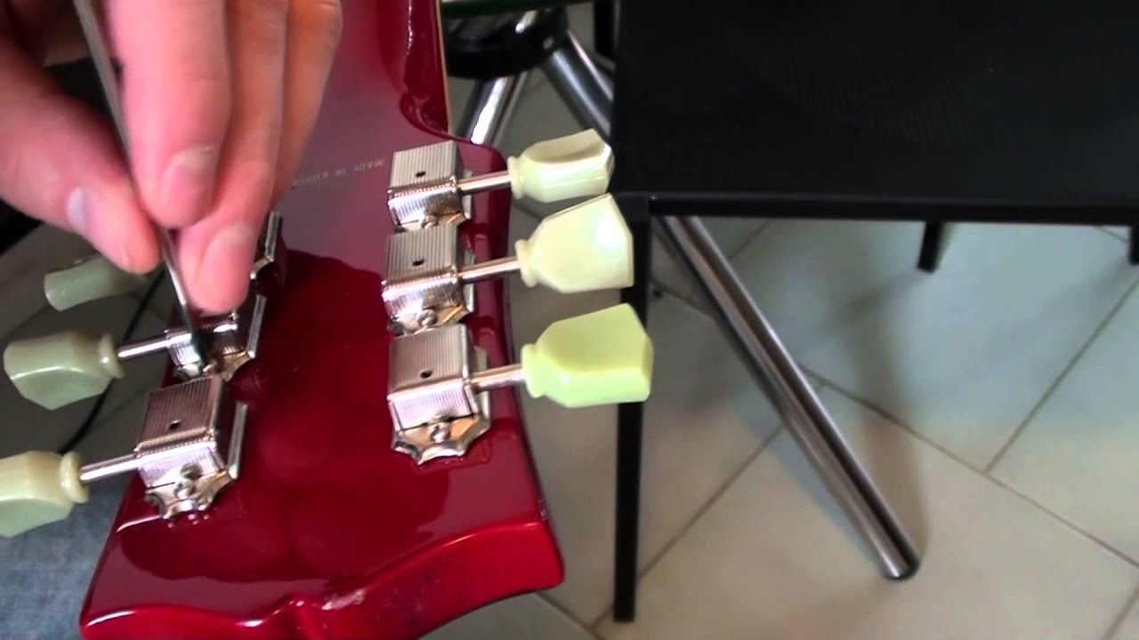 how to replace a tuner tuning peg on a gibson style guitar youtube. Black Bedroom Furniture Sets. Home Design Ideas