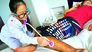 PAPA JATUH!!! hikk 😭 Parodi Anak Main Dokter Dokteran 💖 Jessica Jenica