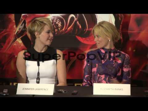 INTERVIEW - Elizabeth Banks, Jennifer Lawrence, Jena Malo...
