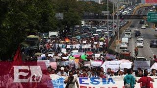 Arriba marcha de estudiantes del IPN a las inmediaciones de la Segob / Excélsior Informa