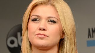 Tragic Details Revealed About Kelly Clarkson