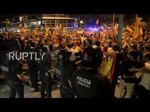 Spain: Pro-Spanish unity protesters smash doors of Catalan radio station - reports
